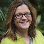 Elizabeth Osder is a digital media consultant with a 25-year career in journalism.
