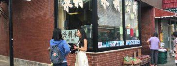 A Curious City reporter tries some community outreach. (Courtesy of Bill Healy/WBEZ)